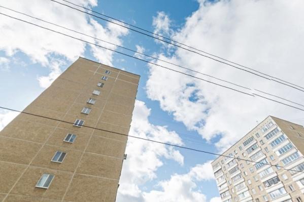 Не повезло жителям 12-го этажа, каждую весну и осень у них потоп