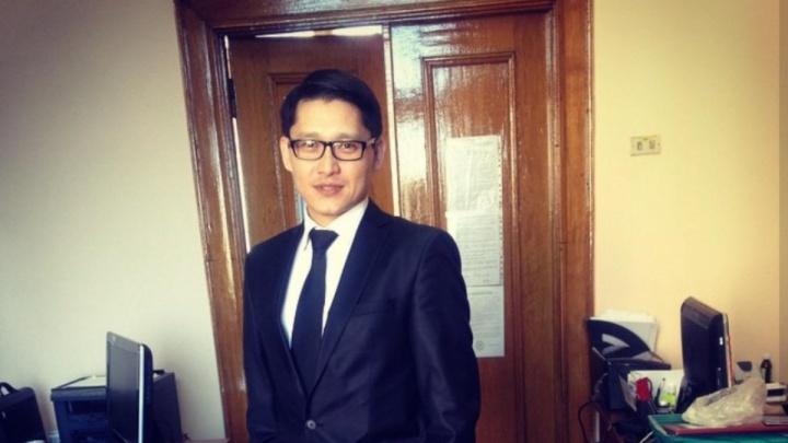 Учёный из Казахстана отсудил у новосибирских врачей 350 тысяч за кусок железа в колене