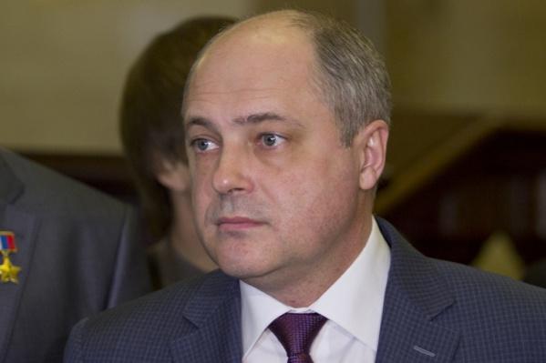 Раньше Андрей Ксензов работал советником главы госкомитета дорожного хозяйства в Крыму
