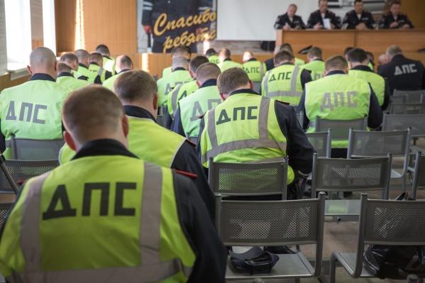 По состоянию на начало сентября в подразделениях ГИБДД Новосибирской области насчитывалась 191 вакансия
