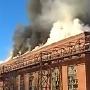 Приехали более десятка машин МЧС: в Магнитогорске вспыхнул цех калибровочного завода «ММК-Метиз»
