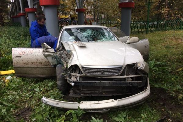 Toyota Mark II после ДТП