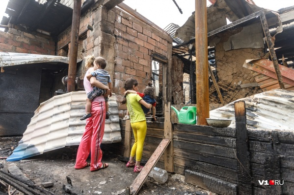 Страшный пожар оставил без крыши над головой большую семью