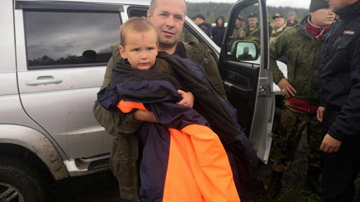 Опубликовано видео спасения потерявшегося в лесу 4-летнего ребёнка