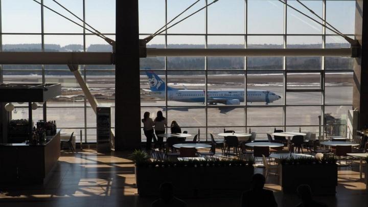 В красноярском аэропорту из-за отказавшего двигателя экстренно сел Boeing