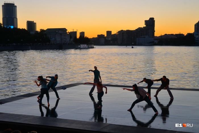 Этим летом будет много танцев и музыки на открытом воздухе