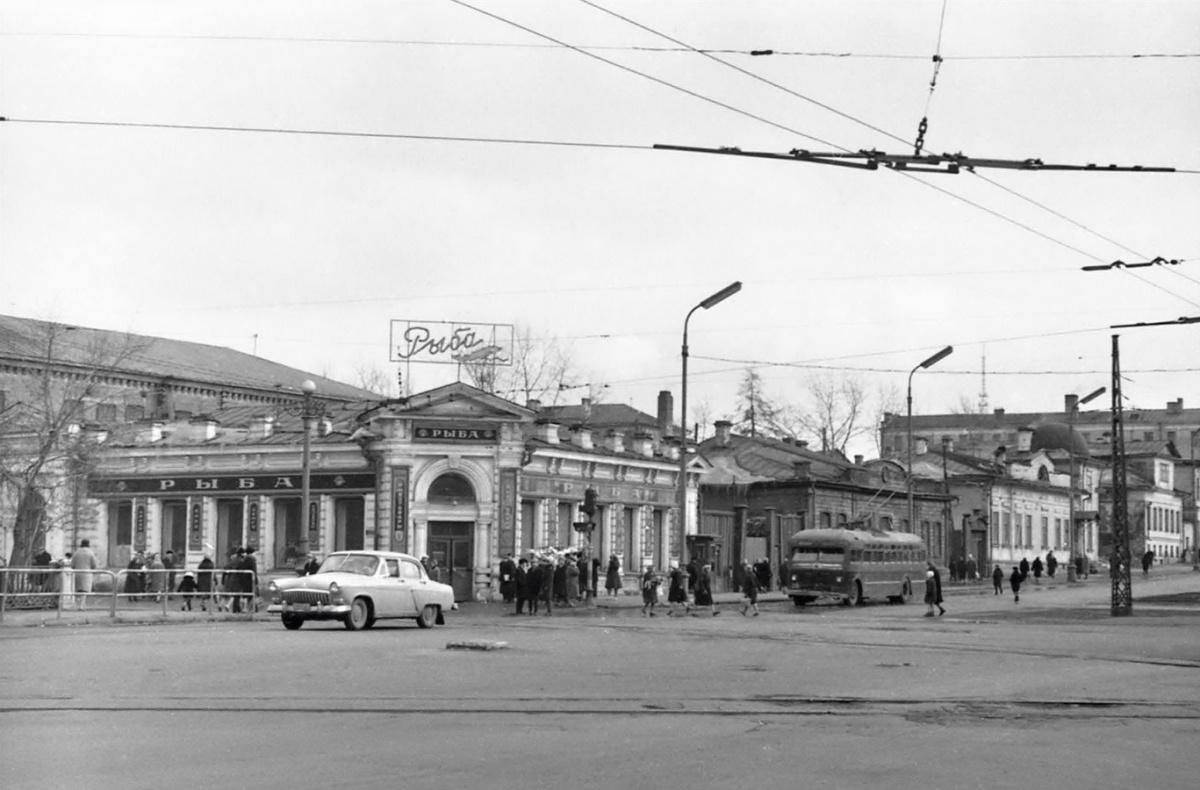 Улица Карла Либкнехта. 1964 год. Фото Р. Катаева (ГАСО)