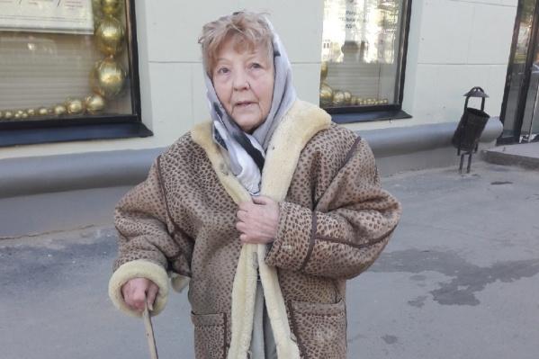 Сейчас Нина Михайловна дает объяснения полицейским
