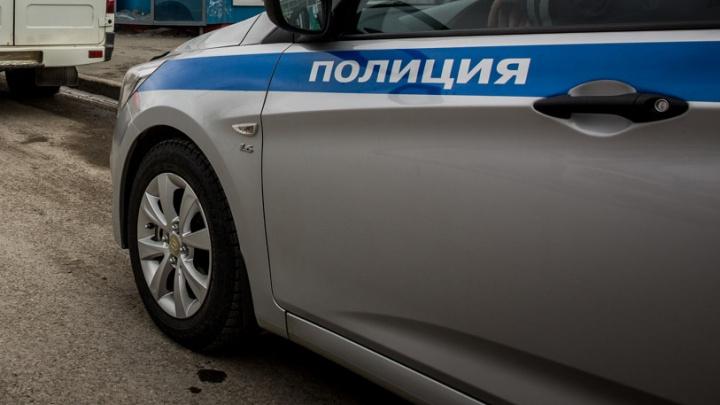 «Тойота» впечатала полицейского в бетонный столб на Дуси Ковальчук
