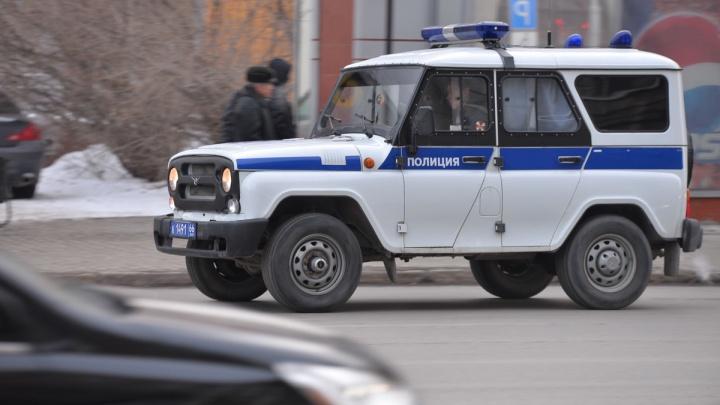 Полиция задержала екатеринбуржца, которого подозревают в совершении серии квартирных краж и угоне