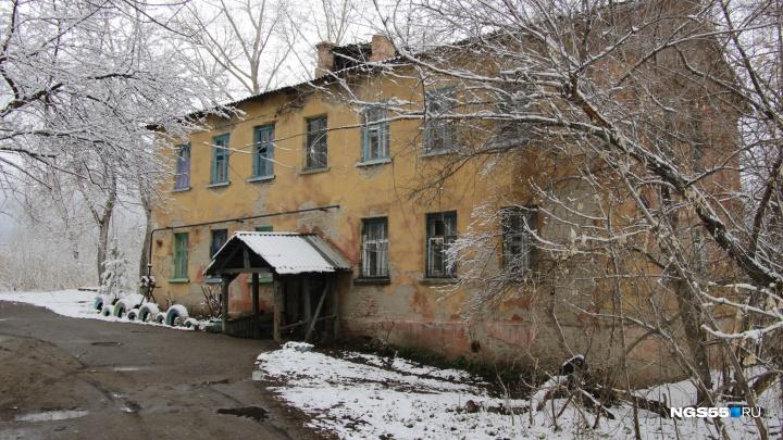 Весна на Заречных улицах: остановка «Руины», предвыборные обещания и удобства во дворе