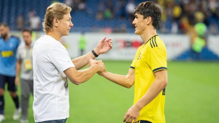 Тренера ФК «Ростов» Валерия Карпина признали лучшим в РПЛ.Рассказываем, кого он смог обойти