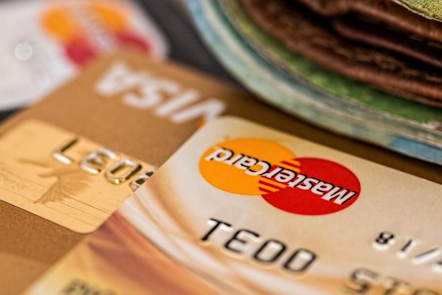Владельцы дебетовых карт Tinkoff Black могут зарабатывать до 7% годовых