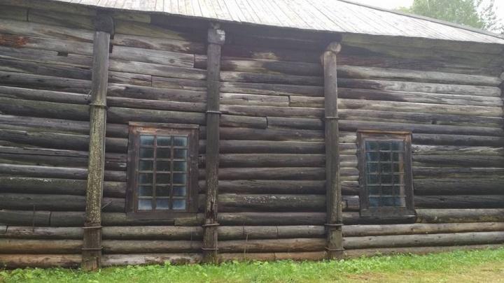В Хохловке загорелась деревянная варница 19-го века. Экспонат тушили охранники фестиваля KAMWA