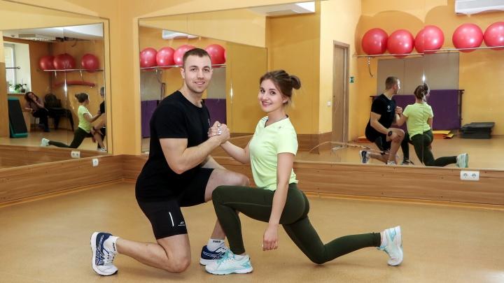 Фитнес для двоих: показываем 12 упражнений для пар, которые укрепят мышцы и брак