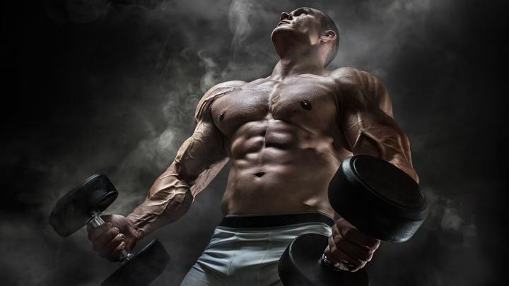 Новосибирского троеборца поймали на продаже стероидов