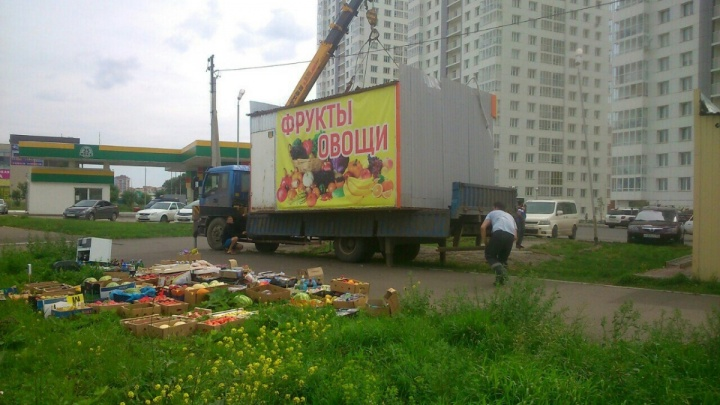 На Красрабе за день снесли 16 павильонов
