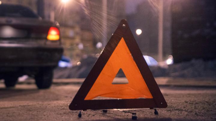 В массовом ДТП под Тюменью пострадали два водителя. У одного переломы ребер