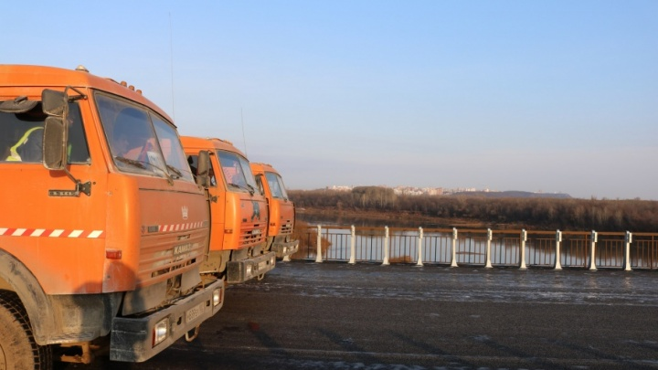 Новый мост через реку Белая тестировали КАМАЗами