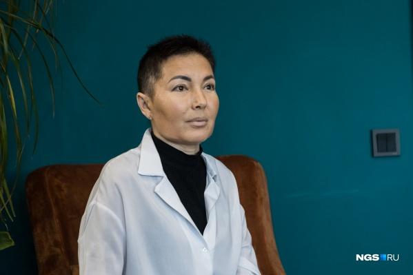 Татьяна Манькова только в клинике Мешалкина провела больше двух месяцев. В Новосибирске, по информации Минздрава, живёт 20 человек с пересаженным сердцем