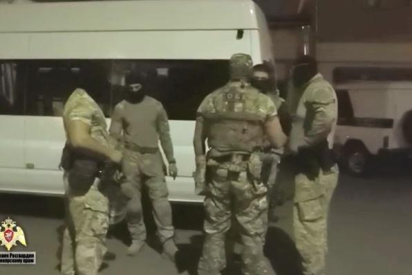 Освобождать заложников приезжали бойцы СОБР