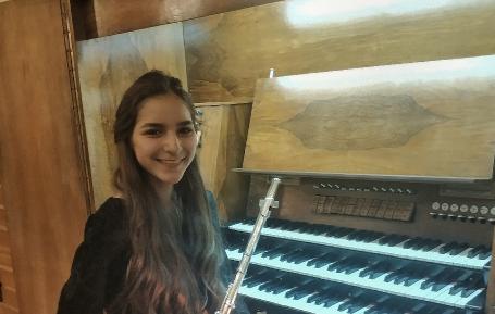 13-летняя флейтистка из Новосибирска победила в международном музыкальном конкурсе в Нью-Йорке