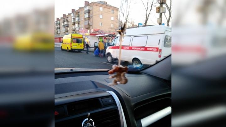 Пострадал ребёнок: в Челябинске две женщины за рулём не поделили дорогу