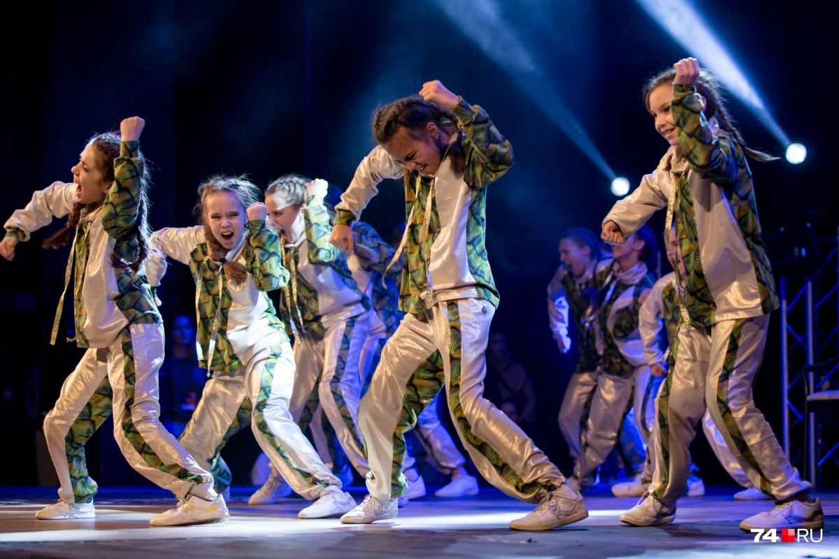 На сцене выступили лучшие танцоры России и стран СНГ