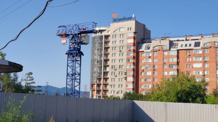 Застройщик «Сибиряк» вернулся к строительству гостиницы на Театральной площади