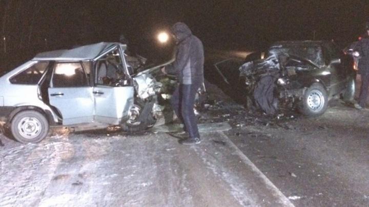 В аварии в Каргаполье пострадали и водители, и пассажиры