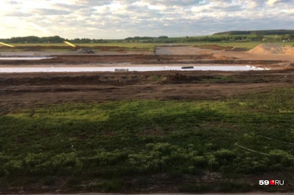 Реконструкция на территории аэропорта запаздывает