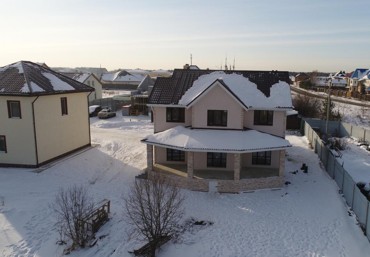 Образец готового дома от «Центра загородной недвижимости», построенного в коттеджном посёлке под Екатеринбургом