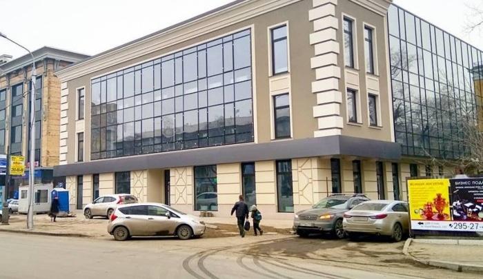 Офисное здание у ЦУМа готовят к открытию