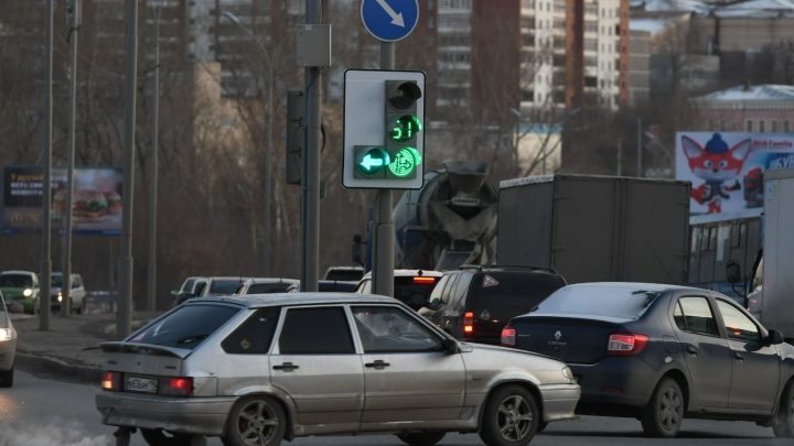 На аварийном перекрестке улицы Халтурина сделали безопаснее левый поворот