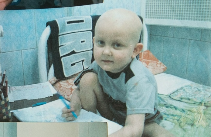 «Думали, ангина, оказалось — рецидив лейкоза»: история школьника, который победил рак