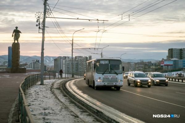 Сейчас выделенками могут пользоваться только общественный транспорт и таксисты