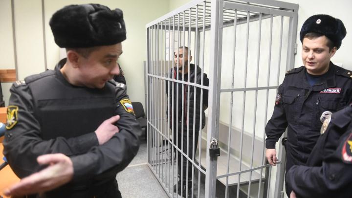 В Екатеринбурге суд решил, сколько еще пробудут в СИЗО обвиняемые в убийстве Ксении Каторгиной