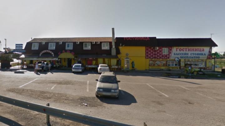 Один умер, трое в больнице: под Волгоградом в гостиничном комплексе отравились четверо иностранцев