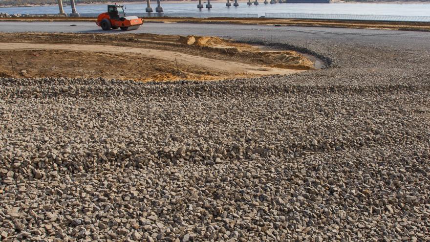 В Волгоградской области ищут малое предприятие для восстановления дороги под Фролово