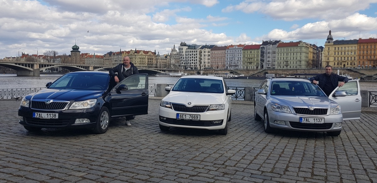 Машины сотрудники трансферной компании покупают в Германии и перегоняют в Чехию