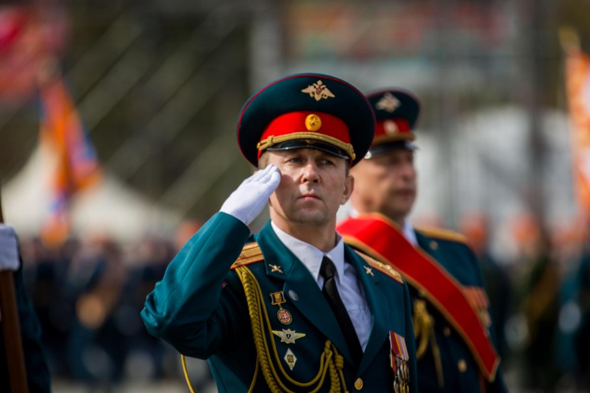 В этом году военный парад войск Сибирского гарнизона начнется 9 мая в 10:00.