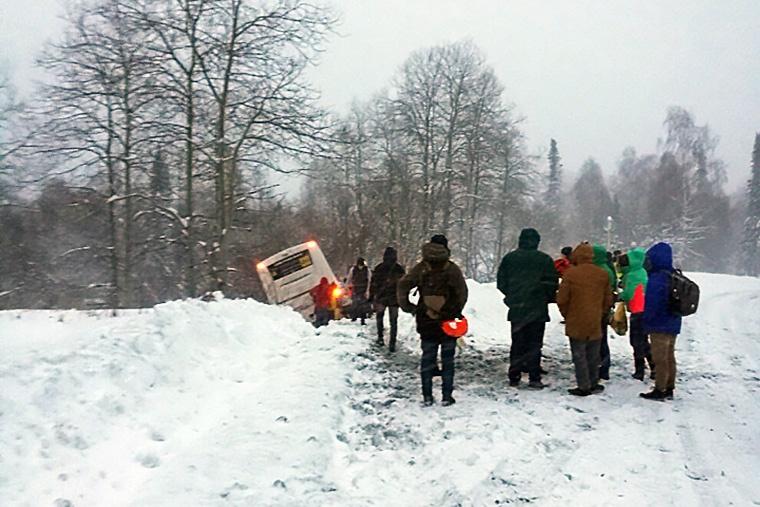Авария случилась утром в 30 километрах от Шерегеша