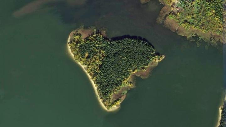Суд признал недействительной продажу берега под коттеджи на Бердском заливе