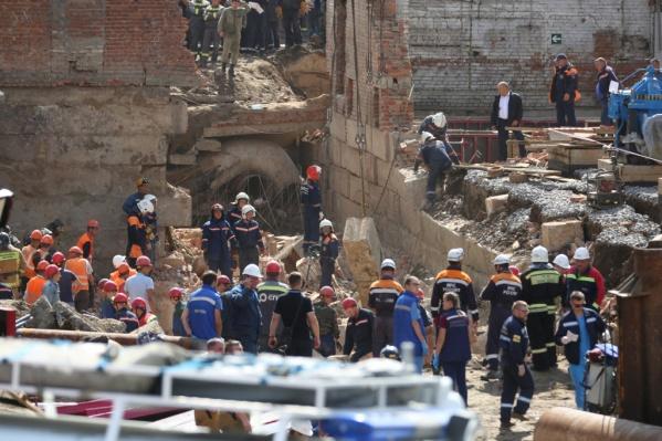 Власти пообещали помочь семьям пострадавших и погибших рабочих