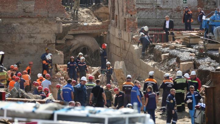Правительство и мэрия помогут пострадавшим и семьям погибших под завалами на Ударной