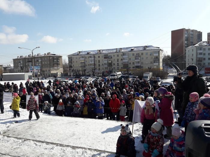 На мероприятие пришли несколько сотен человек