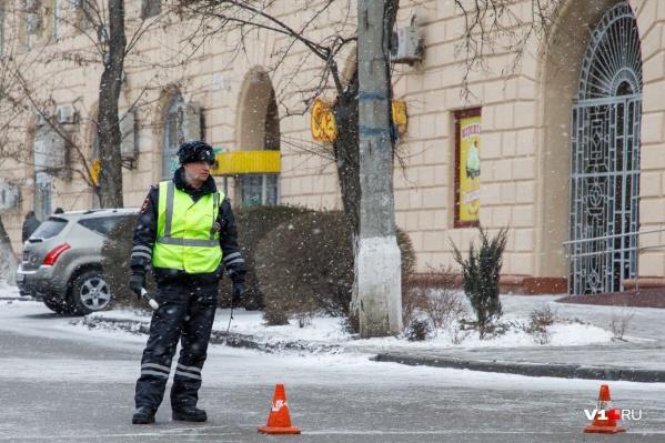 Госавтоинспекторы и полицейские будут следить за безопасностью