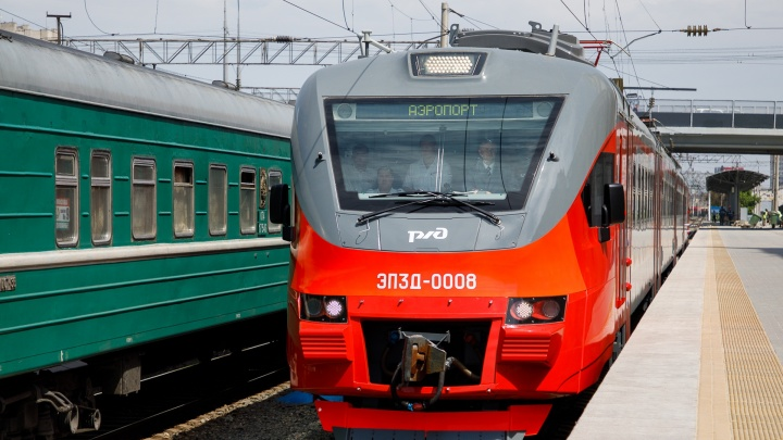 Проезд за 100 рублей: в Волгограде двое молодых приятелей катались на крыше товарного поезда