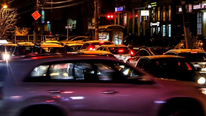 Многокилометровые пробки сковали Нижний Новгород