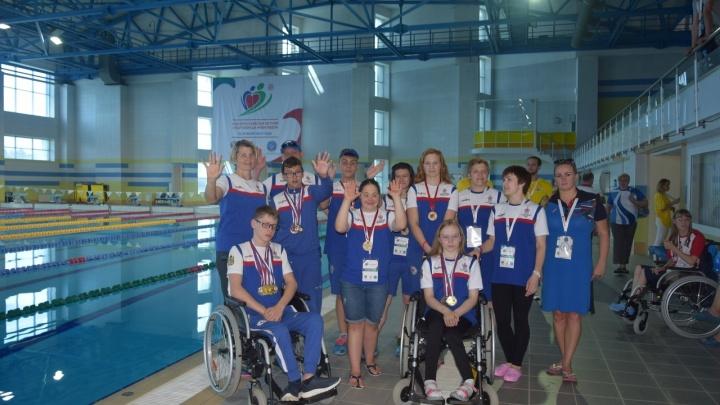 За покорённые дистанции — 12 медалей: на Спартакиаде инвалидов пловцы из Поморья стали третьими